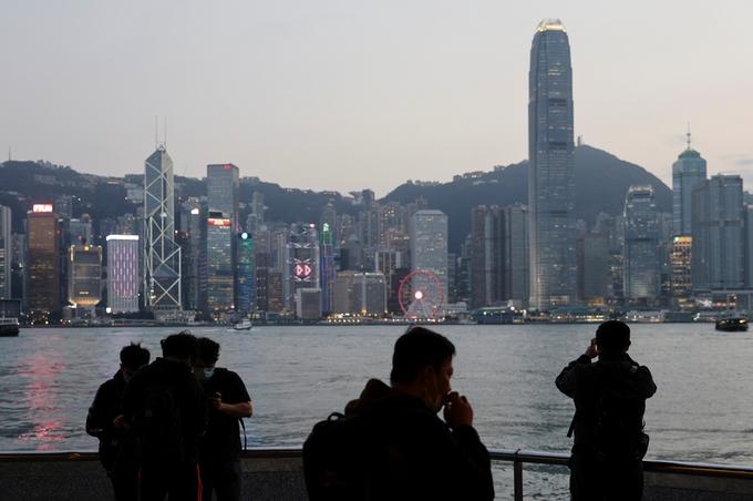 香港市民の「脱出」急増